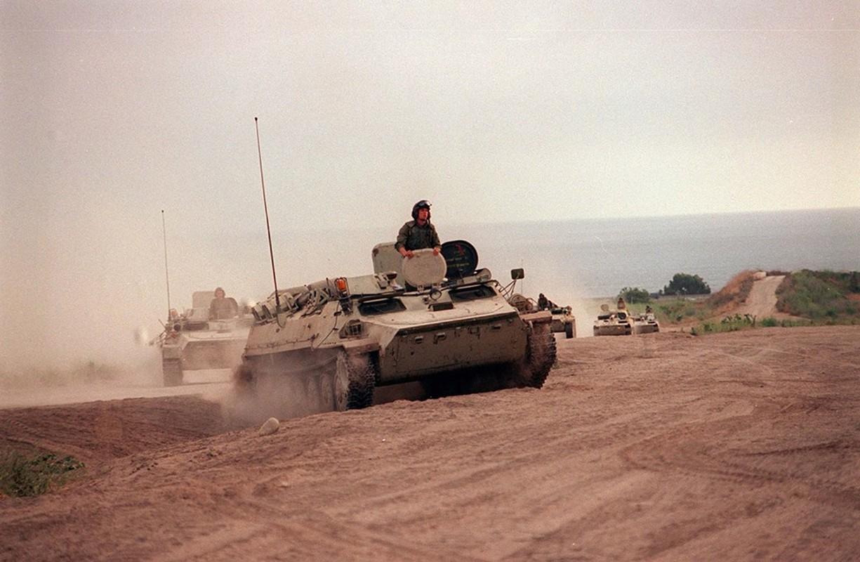 La lam hinh anh linh My cuoi xe tang T-72 tap tran-Hinh-13