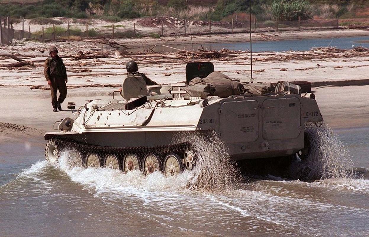 La lam hinh anh linh My cuoi xe tang T-72 tap tran-Hinh-5