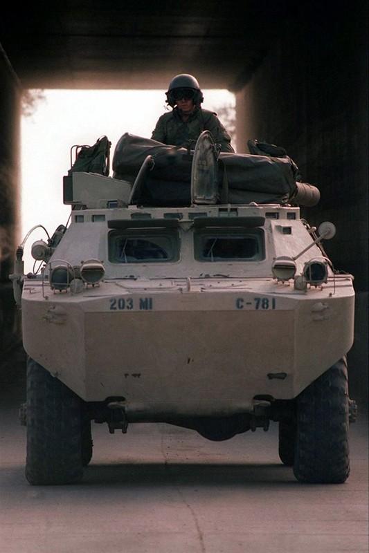 La lam hinh anh linh My cuoi xe tang T-72 tap tran-Hinh-6