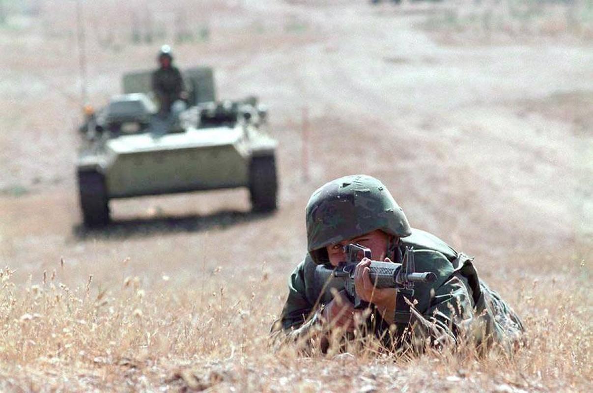 La lam hinh anh linh My cuoi xe tang T-72 tap tran-Hinh-8
