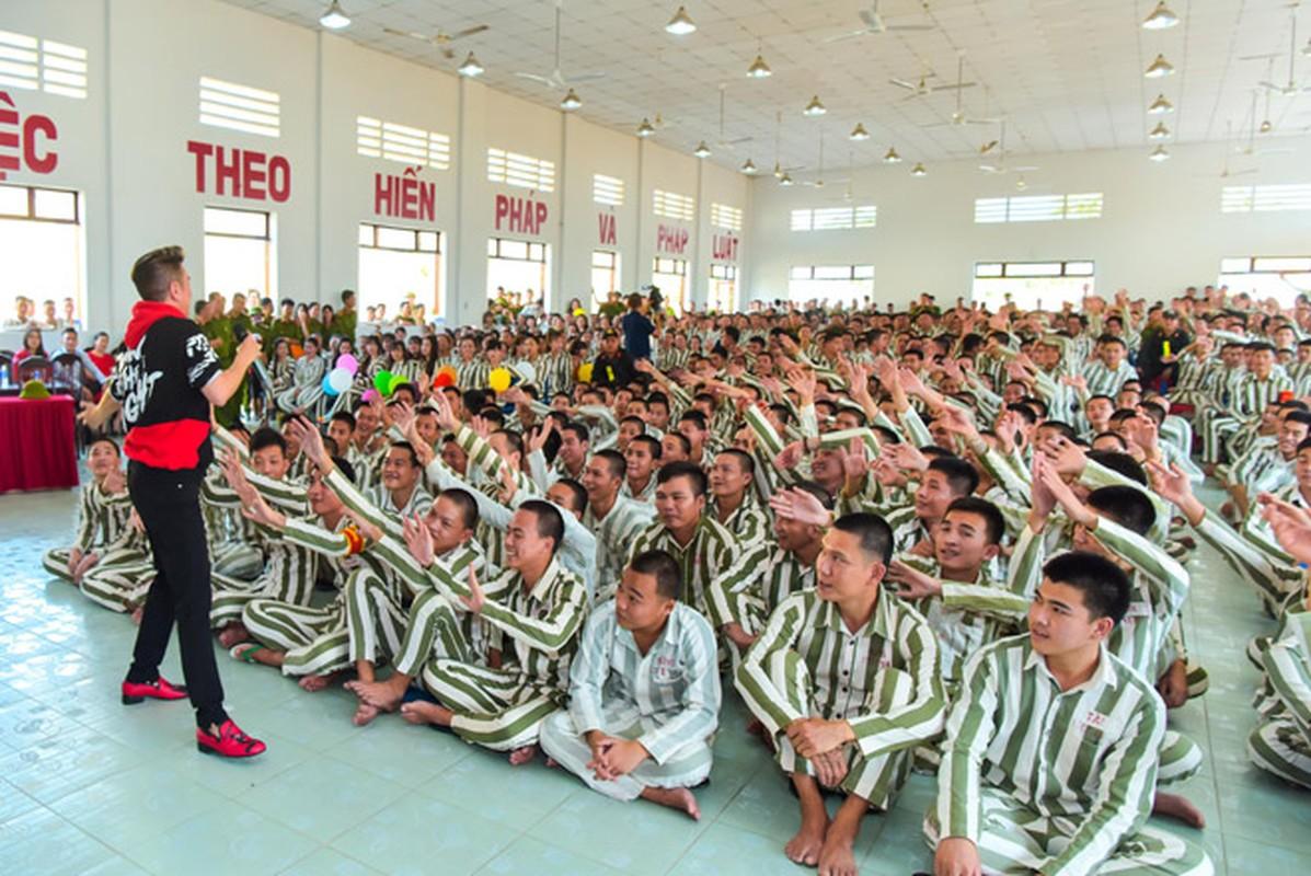 Mr. Dam, Truong Giang vao trai giam lam dieu dac biet ngay Tet-Hinh-5