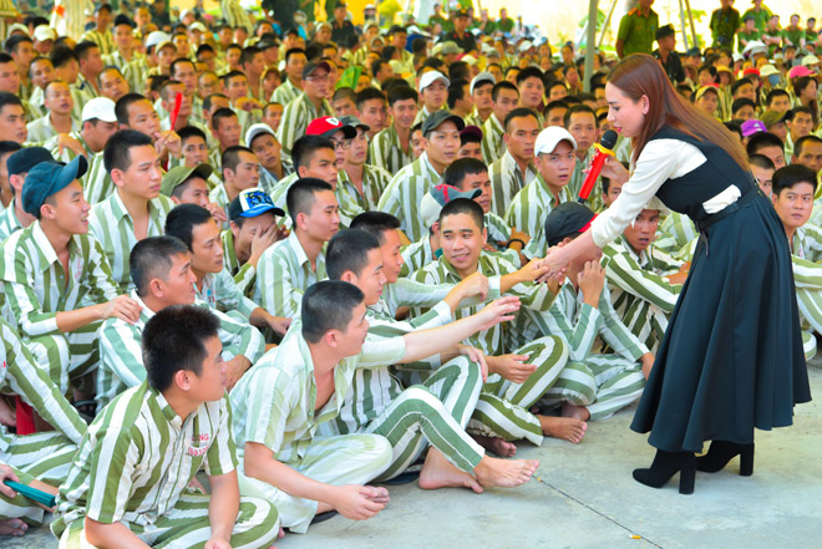 Mr. Dam, Truong Giang vao trai giam lam dieu dac biet ngay Tet-Hinh-7