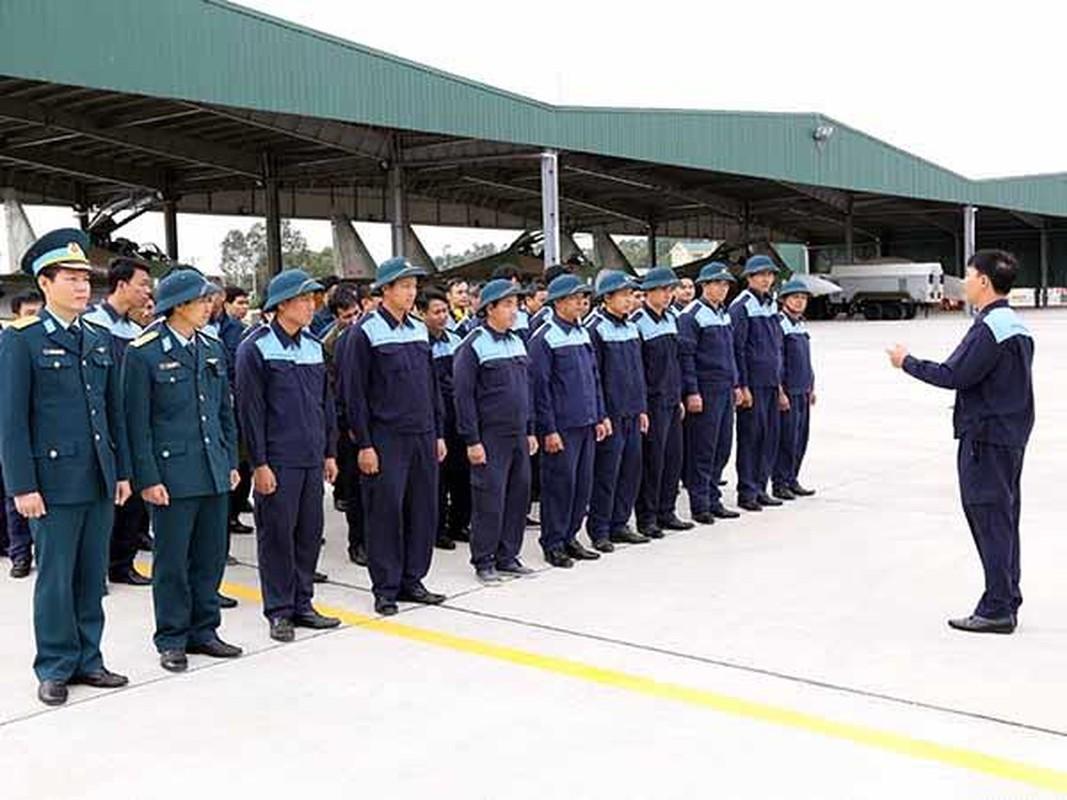 "Khong quan Viet Nam lam chu ""Ho mang chua"" Su-30MK2"