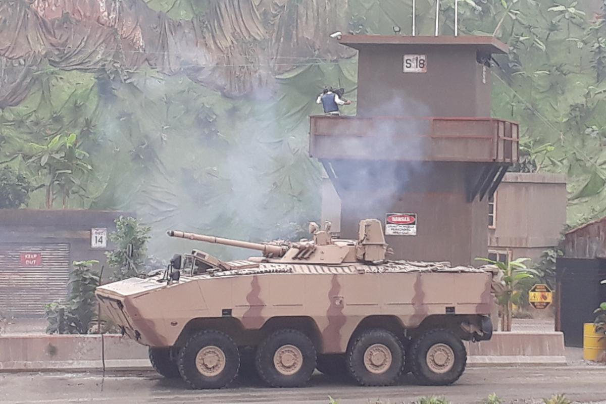 Nga qua uu ai UAE, BMP-3 xuat hien bien the banh lop-Hinh-6