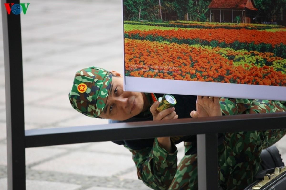 Cong binh VN kiem tra tung bui co de chuan bi thuong dinh My - Trieu-Hinh-9