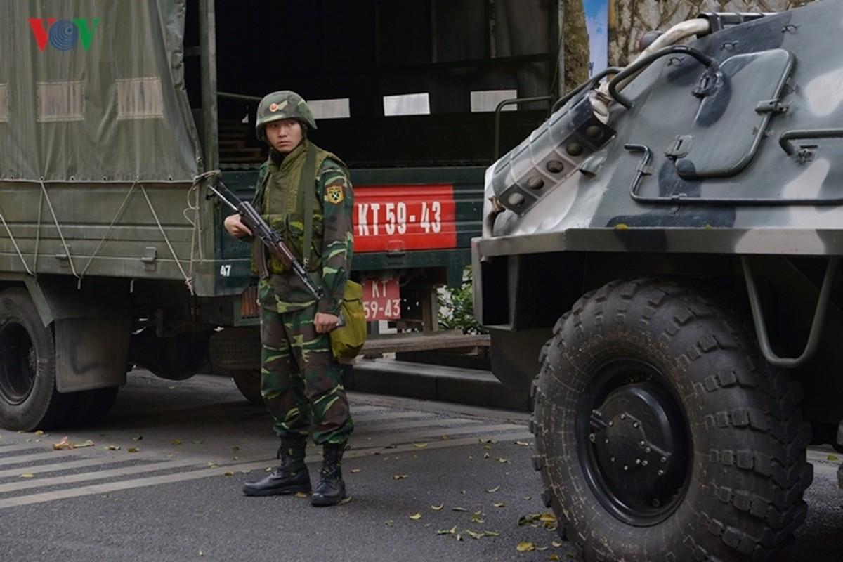 Can canh xe thiet giap BTR-60PB Viet Nam bao ve Thuong dinh My-Trieu-Hinh-12