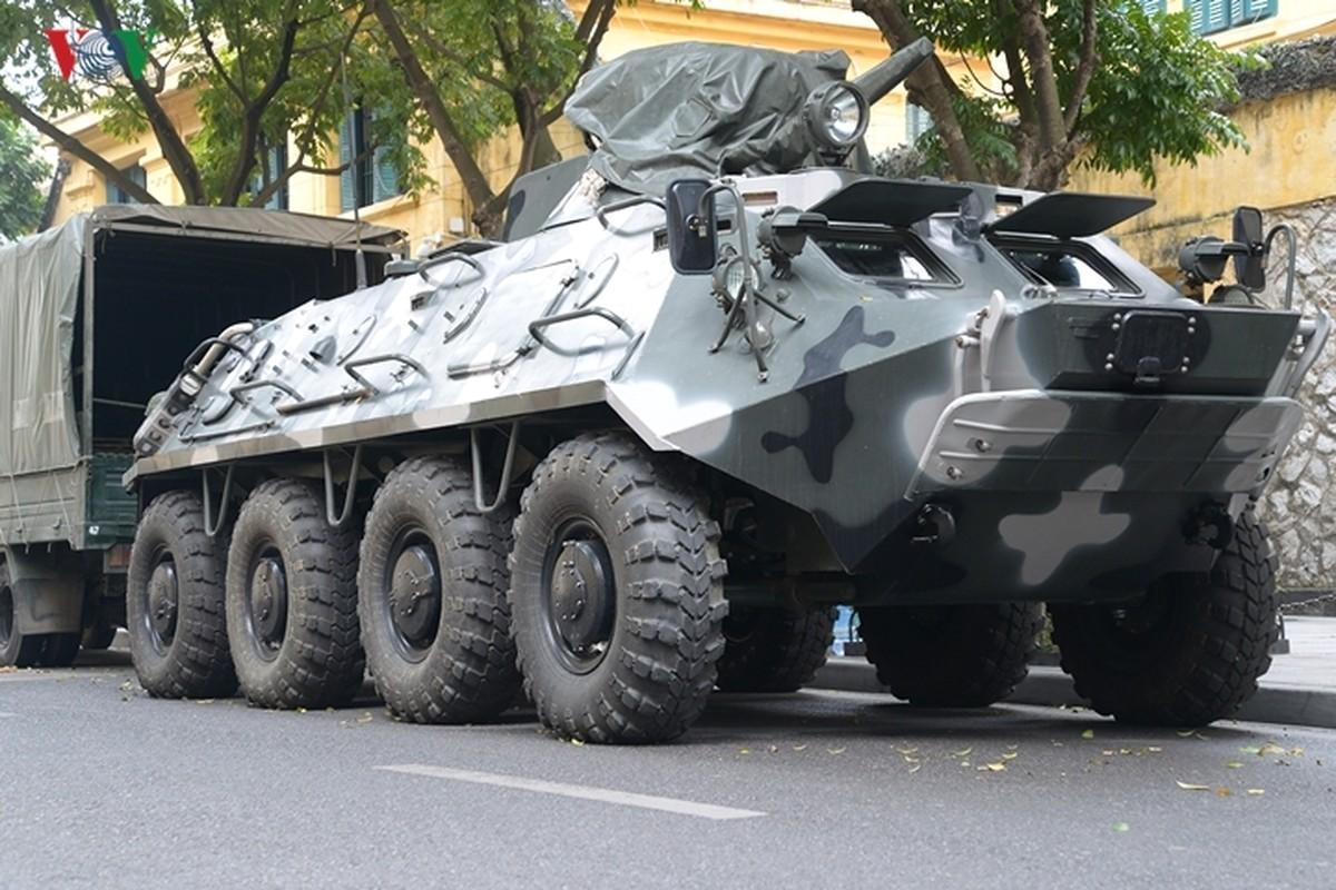 Can canh xe thiet giap BTR-60PB Viet Nam bao ve Thuong dinh My-Trieu-Hinh-2