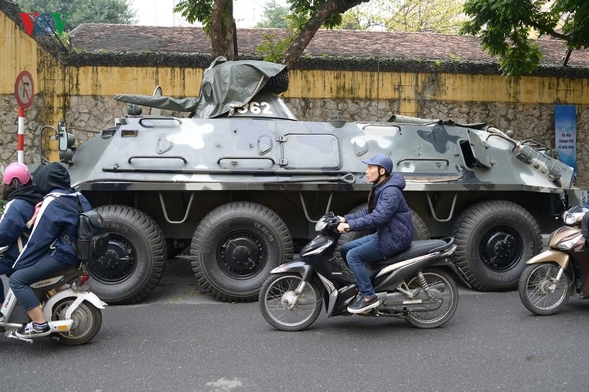 Can canh xe thiet giap BTR-60PB Viet Nam bao ve Thuong dinh My-Trieu-Hinh-3