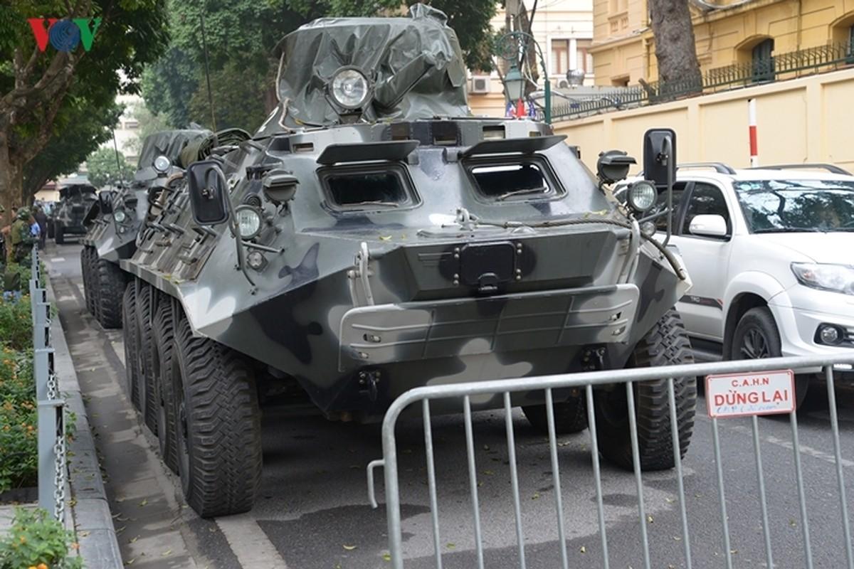 Can canh xe thiet giap BTR-60PB Viet Nam bao ve Thuong dinh My-Trieu-Hinh-4