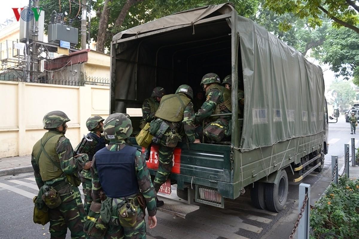 Can canh xe thiet giap BTR-60PB Viet Nam bao ve Thuong dinh My-Trieu-Hinh-6
