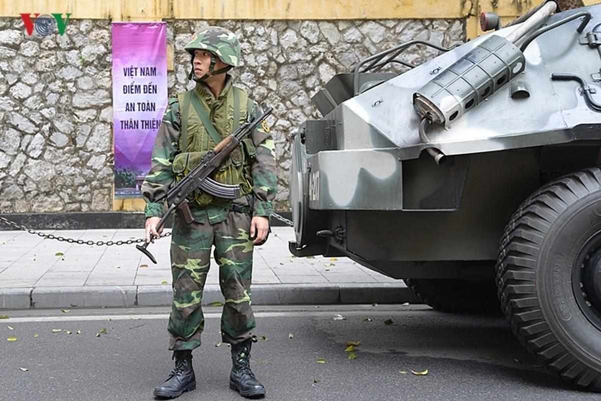 Can canh xe thiet giap BTR-60PB Viet Nam bao ve Thuong dinh My-Trieu-Hinh-8