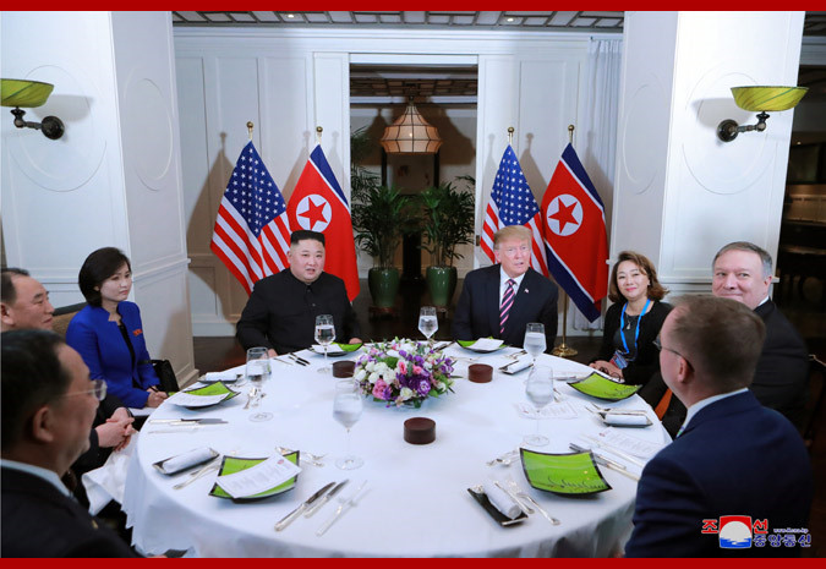 Bo anh doc dao tu phia Trieu Tien ve buoi an toi cua Trump - Kim-Hinh-7