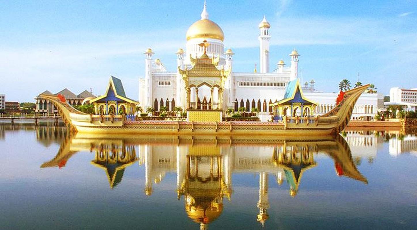 Cuoc song xa hoa dat vang cua quoc vuong Brunei thu nhap 100 USD/giay