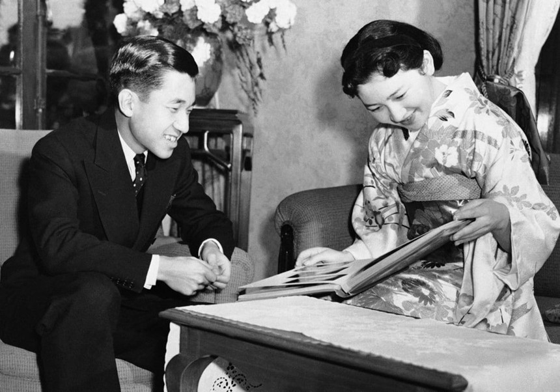 Chuyen tinh the ky cua Nhat hoang Akihito va Hoang hau Michiko-Hinh-2