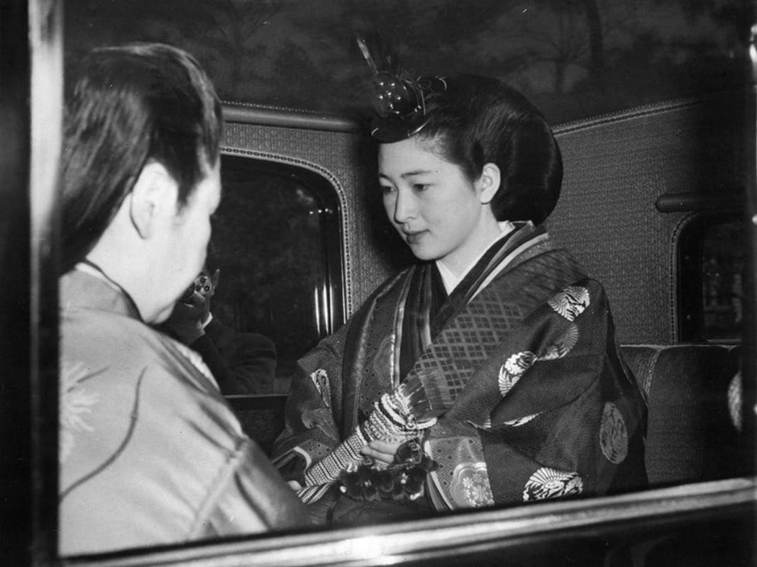 Chuyen tinh the ky cua Nhat hoang Akihito va Hoang hau Michiko-Hinh-4