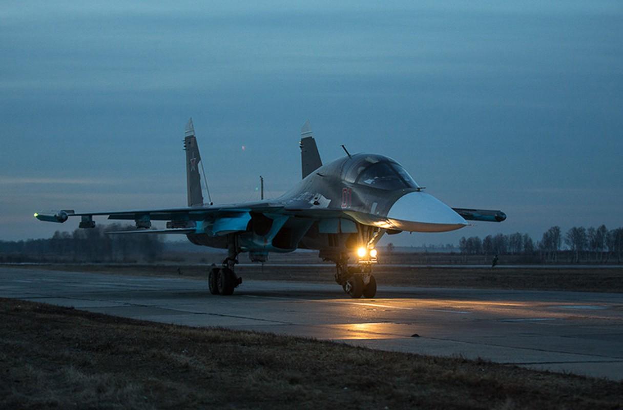 Khung khiep: Tiem kich Su-27/30 Nga vuot 7.000km chi de...-Hinh-11