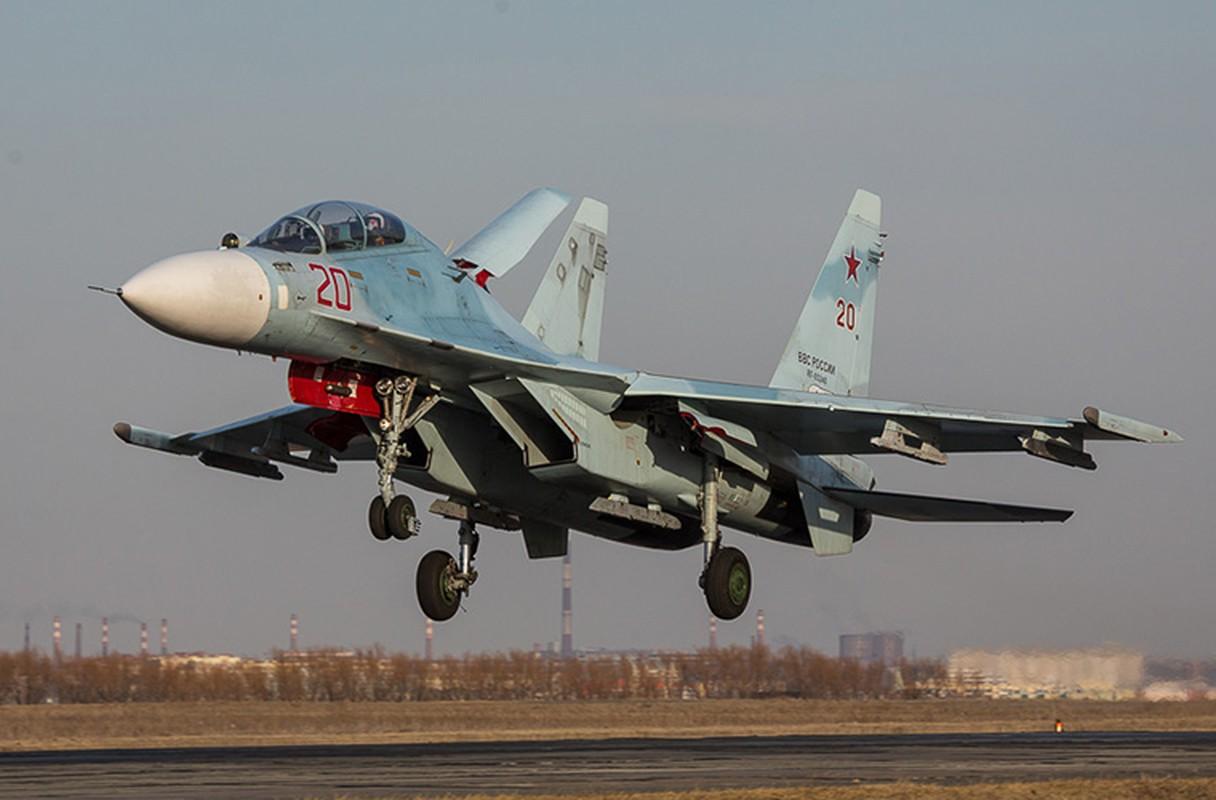 Khung khiep: Tiem kich Su-27/30 Nga vuot 7.000km chi de...-Hinh-4