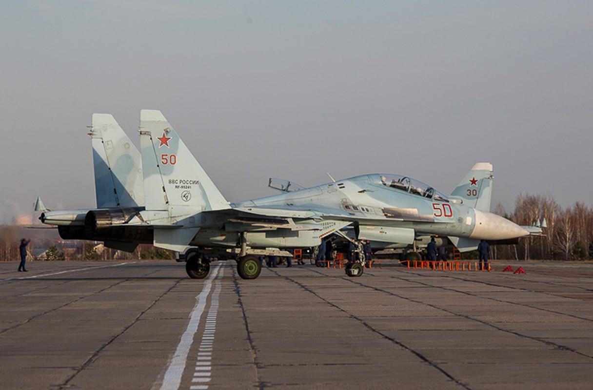 Khung khiep: Tiem kich Su-27/30 Nga vuot 7.000km chi de...-Hinh-7