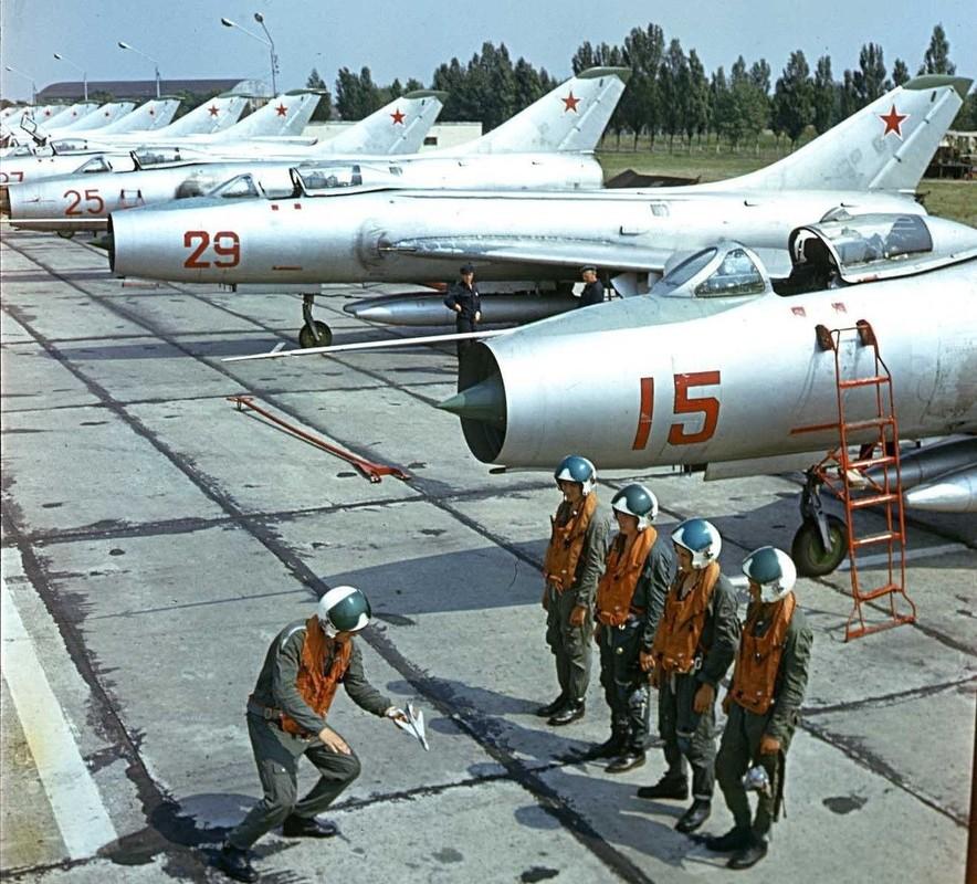 Cong ty My rao ban cong khai 20 tiem kich danh chan MiG-21-Hinh-13