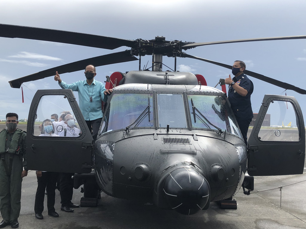 Philippines bat ngo nhan mot loat truc thang da dung cuc hien dai-Hinh-2