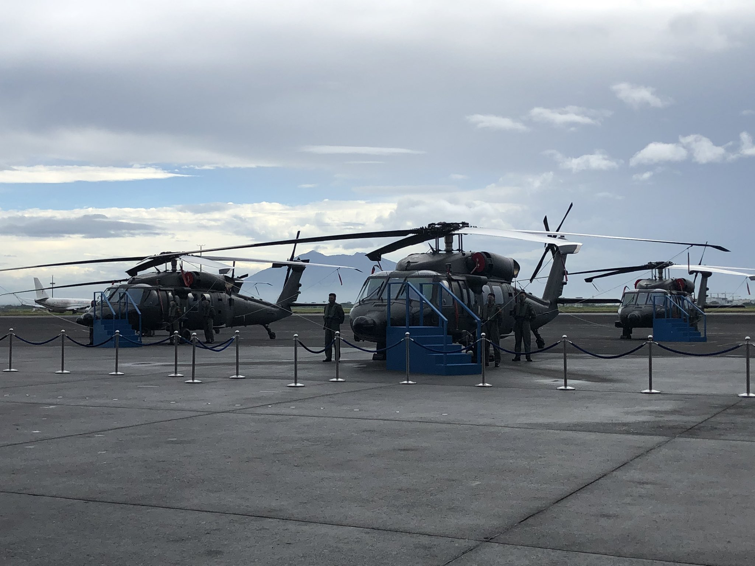 Philippines bat ngo nhan mot loat truc thang da dung cuc hien dai-Hinh-9