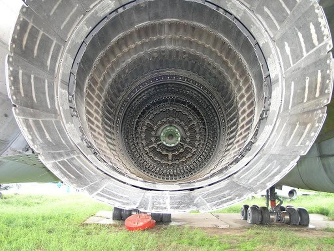 My nga mu cong nhan Tu-160M cua Nga la ky quan nganh hang khong-Hinh-13