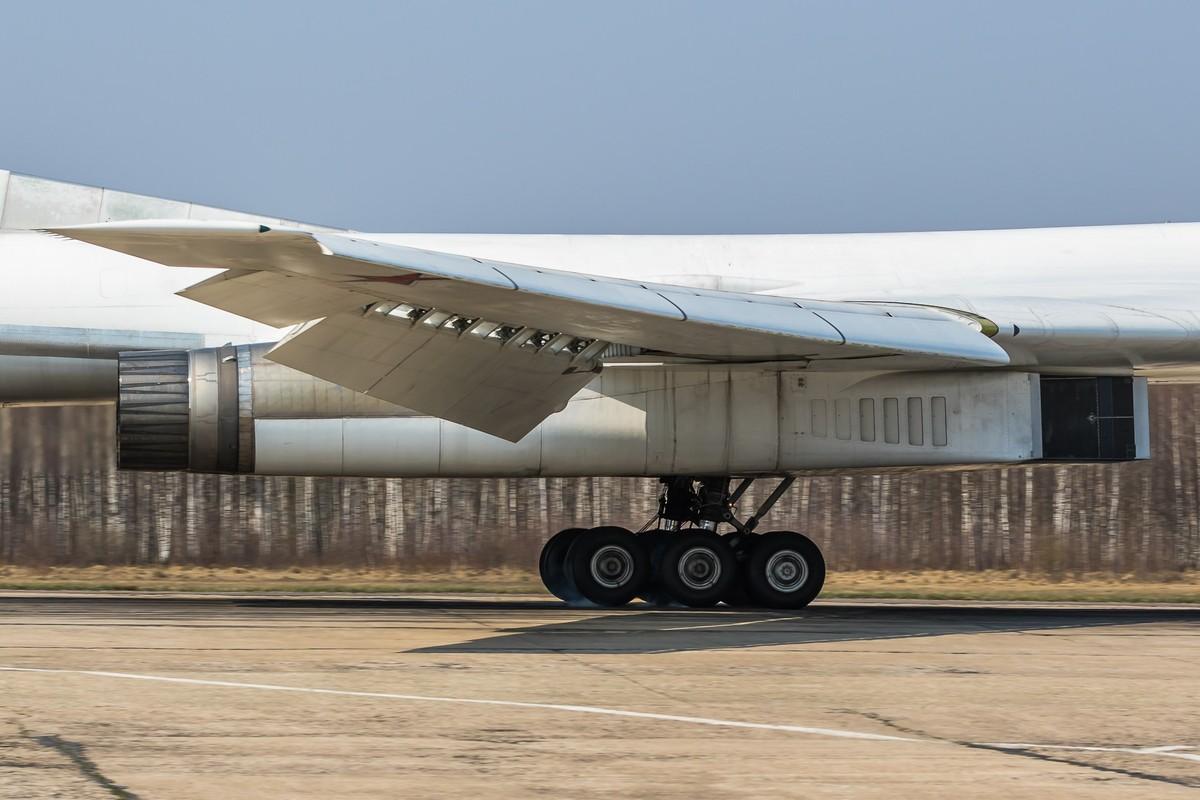 My nga mu cong nhan Tu-160M cua Nga la ky quan nganh hang khong-Hinh-3