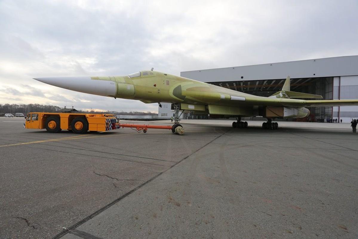My nga mu cong nhan Tu-160M cua Nga la ky quan nganh hang khong