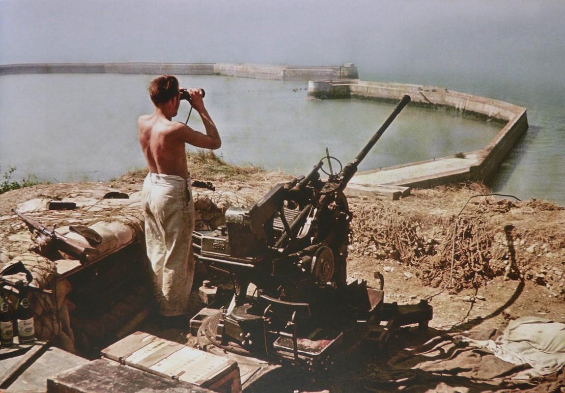 Phao phong khong Duc thoi the chien chong may bay My trong chien tranh Viet Nam-Hinh-6