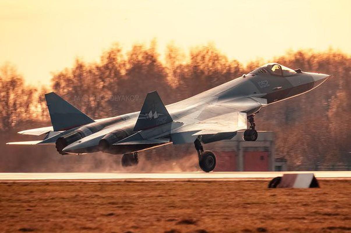 Tiem kich Su-57 qua xin khien phi cong co the ngat trong khi bay-Hinh-4