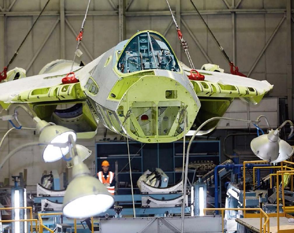 Tiem kich Su-57 qua xin khien phi cong co the ngat trong khi bay