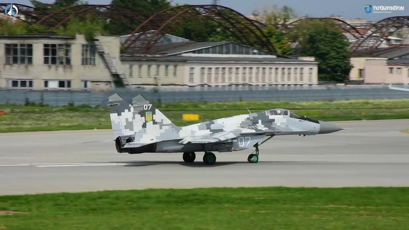 Lanh thau xuong khien tiem kich MiG-29 cua Ukraine bi bang phu kin-Hinh-3