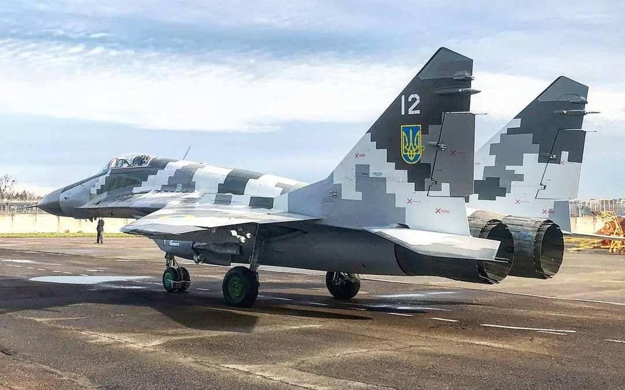 Lanh thau xuong khien tiem kich MiG-29 cua Ukraine bi bang phu kin-Hinh-8