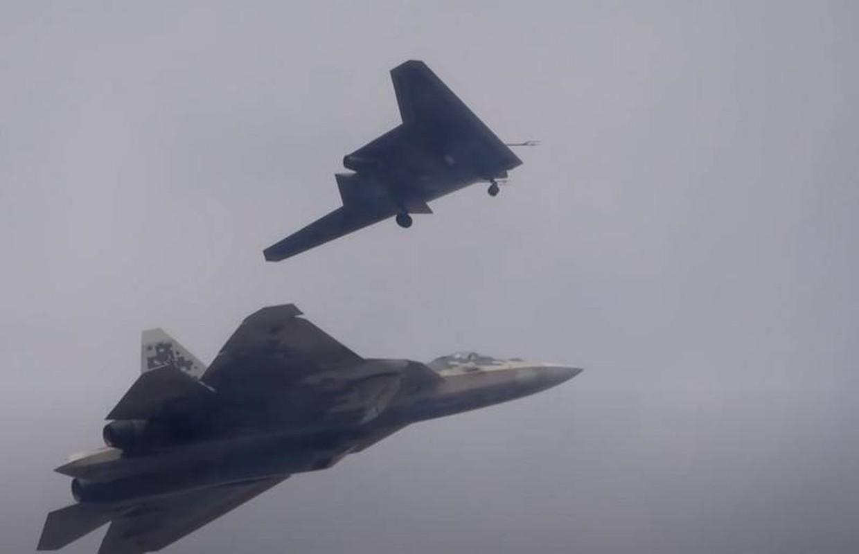 May bay khong nguoi lai cua Ukraine co thang duoc UAV cua Nga?-Hinh-2