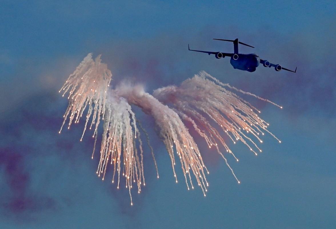 Den hen lai len: Quan doi Qatar duyet binh voi ky binh va lac da-Hinh-11