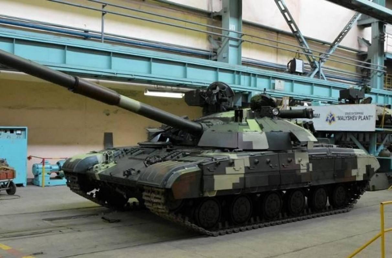 Ukraine tuyen bo nang cap T-64 len manh ngang... T-90 cua Nga-Hinh-7