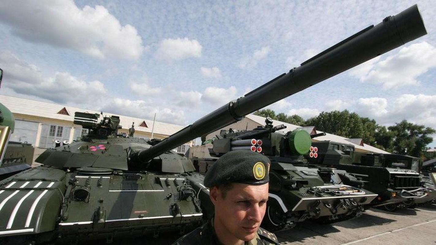 Ukraine tuyen bo nang cap T-64 len manh ngang... T-90 cua Nga-Hinh-8