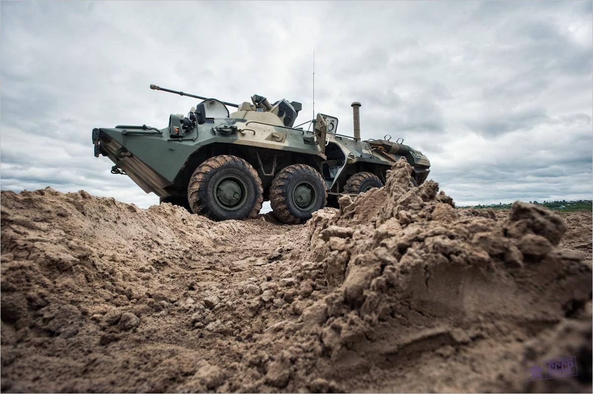 Khoanh khac xe thiet giap BTR-82 cua Nga no tung o Syria-Hinh-13