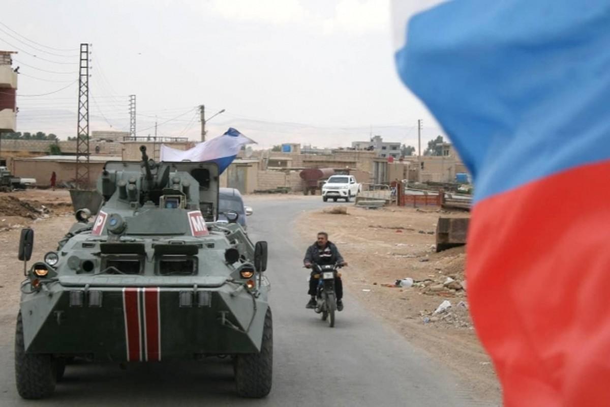 Khoanh khac xe thiet giap BTR-82 cua Nga no tung o Syria