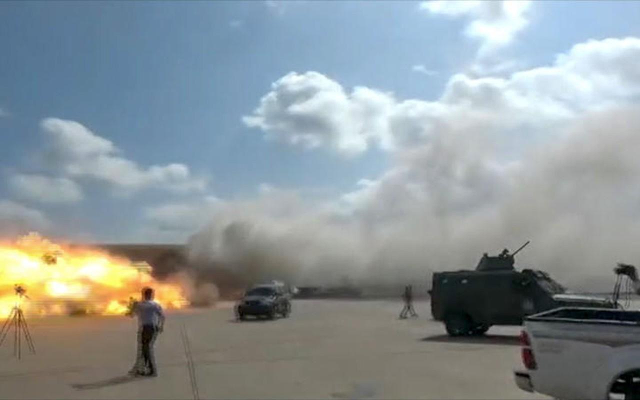 San bay Yemen bi tan cong boi ban sao cua ten lua Kh-55 Lien Xo-Hinh-4
