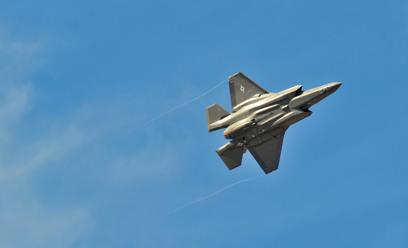 Bat ngo voi quoc gia vua bien che cung luc 30 tiem kich F-35-Hinh-11