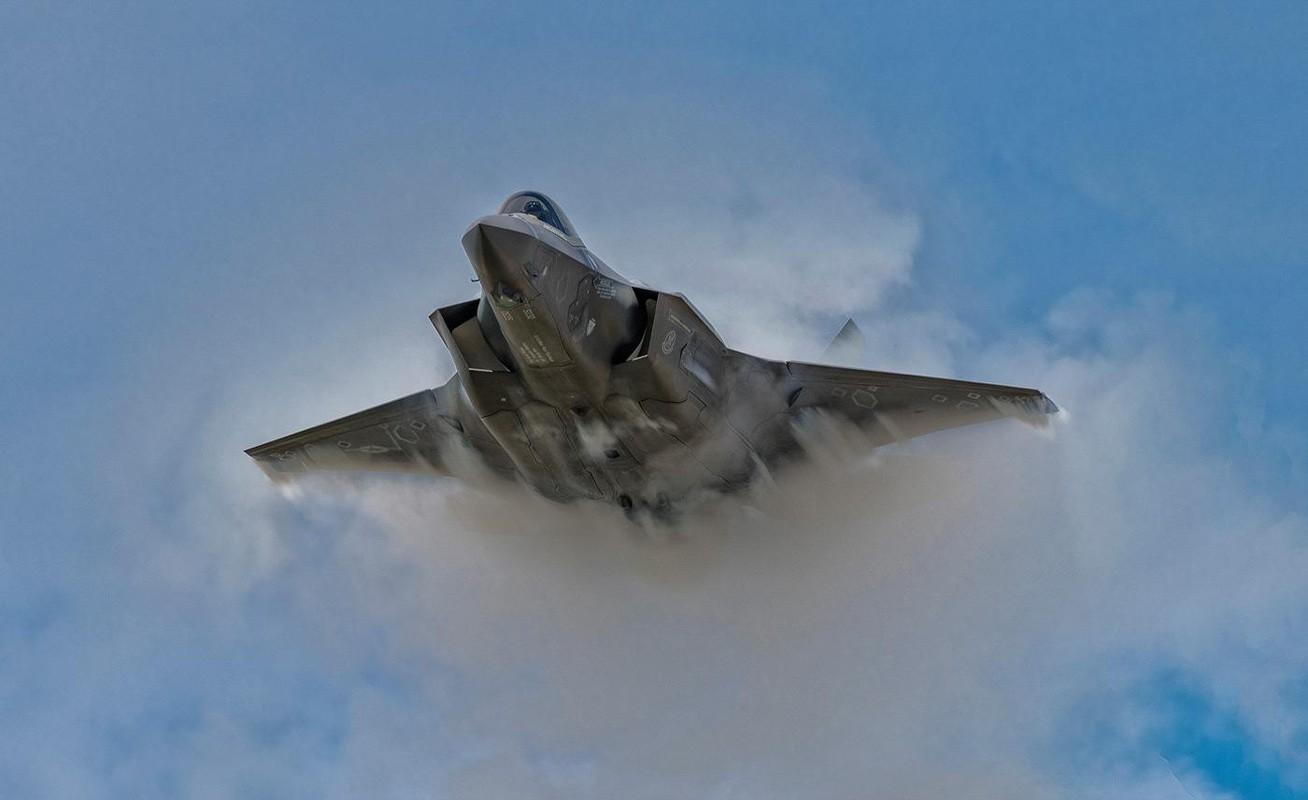 Bat ngo voi quoc gia vua bien che cung luc 30 tiem kich F-35-Hinh-15