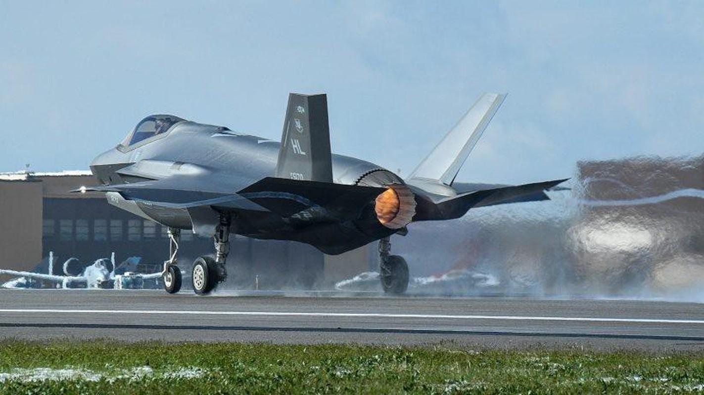 Bat ngo voi quoc gia vua bien che cung luc 30 tiem kich F-35-Hinh-4