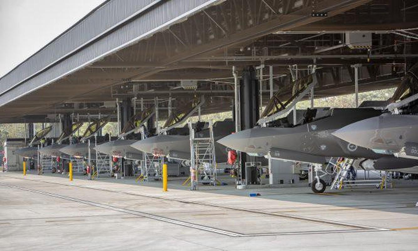 Bat ngo voi quoc gia vua bien che cung luc 30 tiem kich F-35-Hinh-5