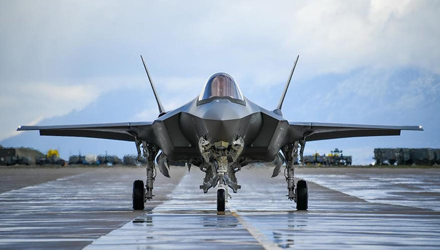 Bat ngo voi quoc gia vua bien che cung luc 30 tiem kich F-35-Hinh-9