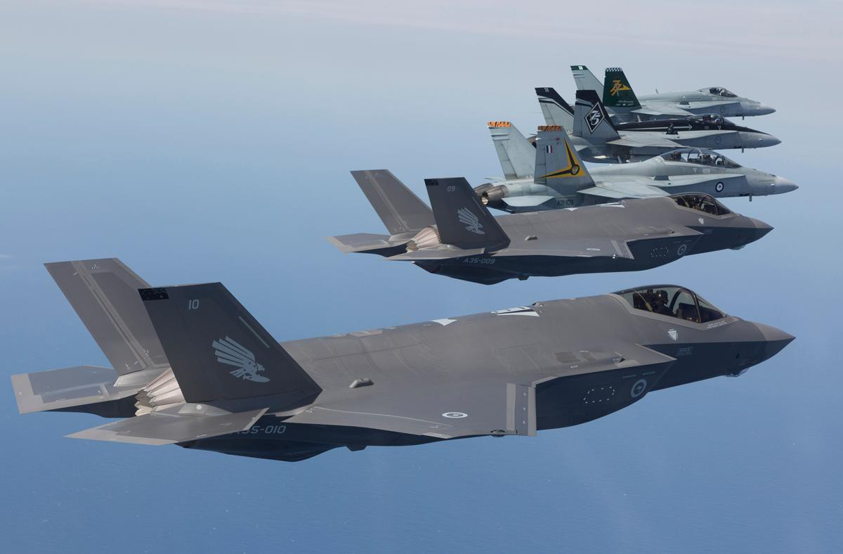 Bat ngo voi quoc gia vua bien che cung luc 30 tiem kich F-35