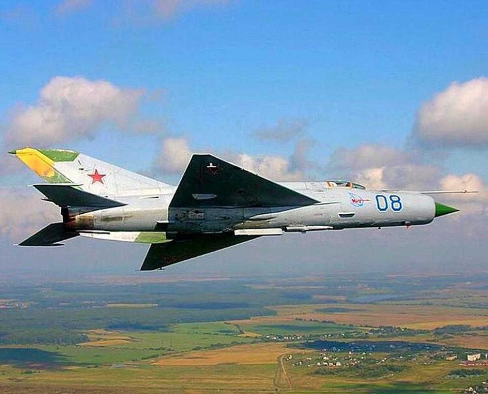 Bat ngo voi quoc gia vua mang 20 tiem kich MiG-21 ra ban dau gia-Hinh-10