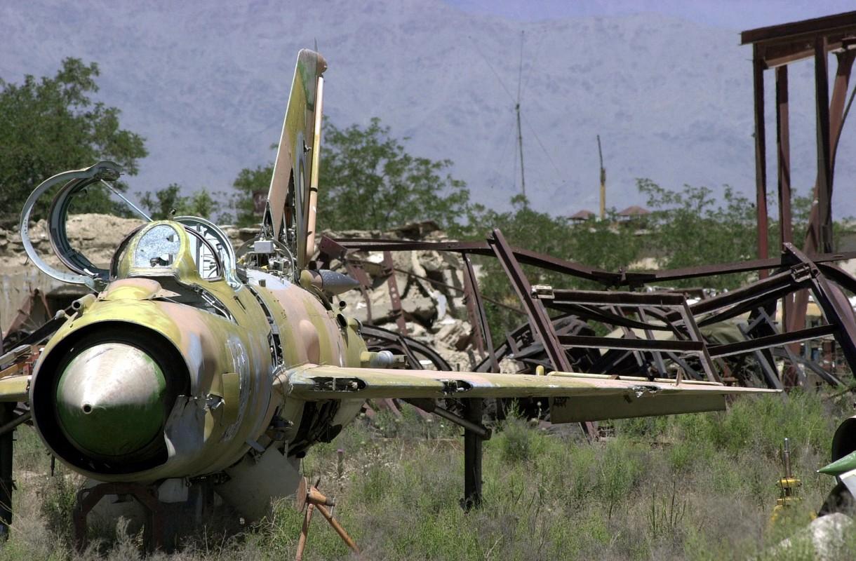 Bat ngo voi quoc gia vua mang 20 tiem kich MiG-21 ra ban dau gia-Hinh-12