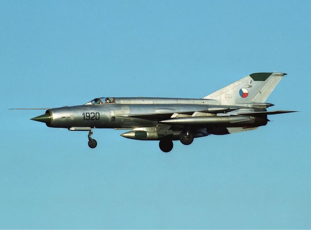 Bat ngo voi quoc gia vua mang 20 tiem kich MiG-21 ra ban dau gia-Hinh-4