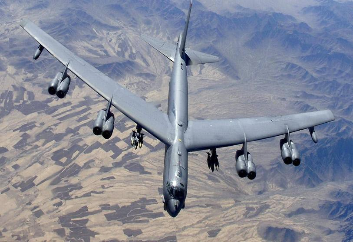 Tiep tuc dung B-52 de uy hiep Iran, My nen coi chung hau qua!-Hinh-2